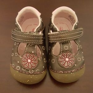 Stride right Toddler shoes